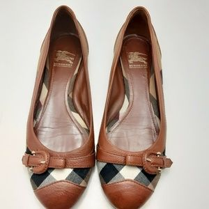 Burberry Flats Womens Shoe Size 39 US 8.5 Italy